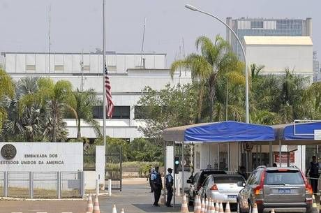 EUA pedem que cidadãos americanos 'evitem as cidades-satélites do Distrito Federal à noite' - http://noticiasembrasilia.com.br/noticias-distrito-federal-cidade-brasilia/2015/06/19/eua-pedem-que-cidadaos-americanos-evitem-as-cidades-satelites-do-distrito-federal-a-noite/