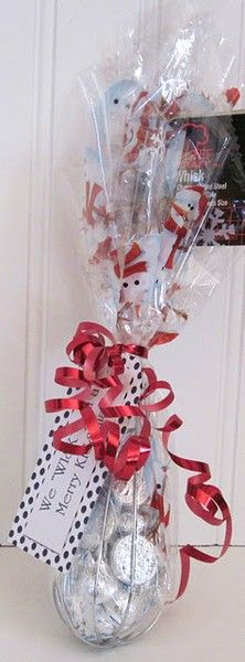 We WISK you a merry KISSmas! There are all kinds of funny homemade gifts like this one on this site. I MUST remember this for my neighbors!