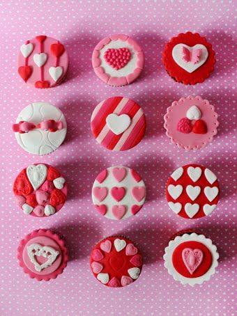 Cupcakes para San Valentín en rosa , rojo y blanco. ¡Una combinación de colores muy romántica! #cupcakes #sanvalentin: