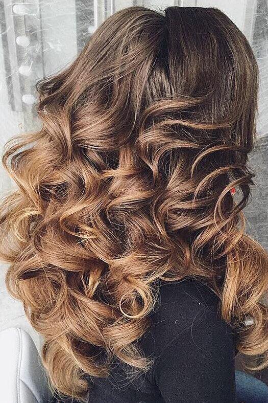 Voluminous Curls on @antonina_romanova_ <3