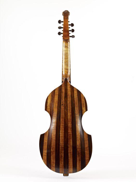 The back of a Bass Viol by Joachim Tielke, Hamburg, 1691 - restoration by Ingo Muthesius