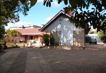 A vendre 2 belles villas piscine à Ambohibao Tananarive   Agence immobilière à Tananarive