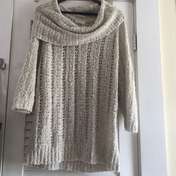 STUNNING SLEEP ON SNOW ANTHROPOLOGIE SWEATER Such good condition! And great brand Sleeping on snow Sweaters Crew & Scoop Necks