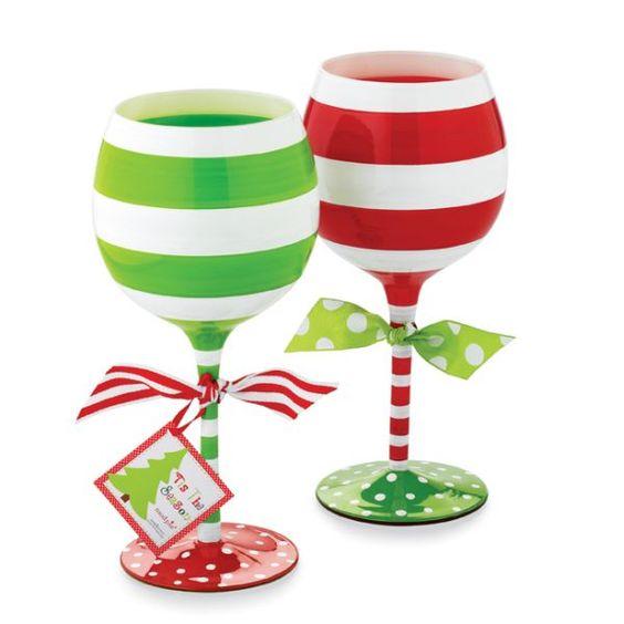 Hand painted christmas wine glasses bing images wine for Christmas painted wine glasses pinterest