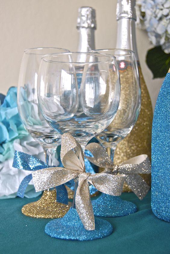 Glitter bridal shower favors decorate wine glasses for Ways to decorate wine glasses