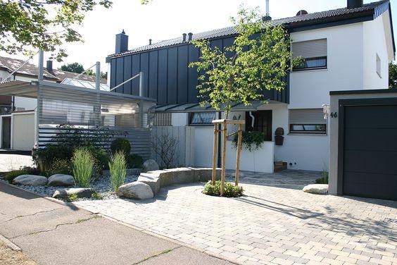 Michael Ehmke, Garten- und Landschaft Bild nummer 1, Vorgarten - garageneinfahrt am hang