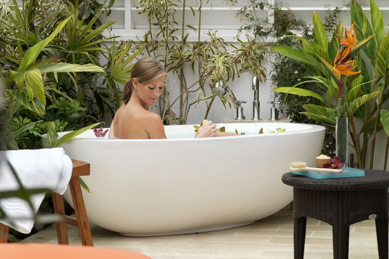 http://www.luxurytravelmagazine.com/property/l-auberge-del-mar-resort-and-spa-california-luxury-hotel.php