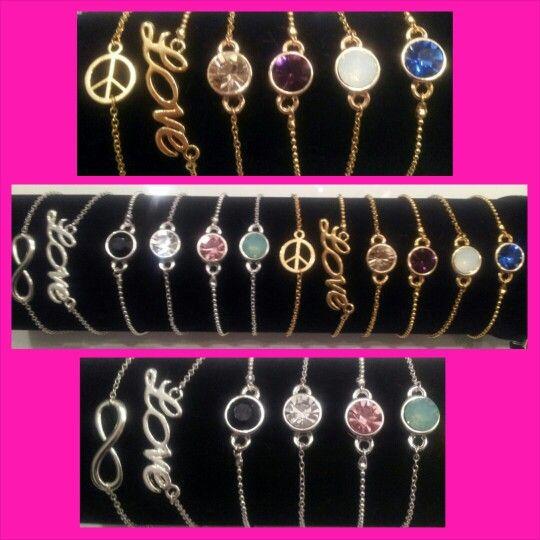 Armbanden met een ballchain-ketting of fijne schakelketting in zilver of goudkleurig.