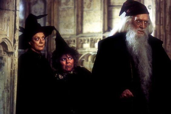 """""""Harry Potter i Komnata Tajemnic"""" - Maggie Smith, Miriam Margoyles, Richard Harris- 2002.   galeria zdjęć - Zdjęcie nr. 48"""