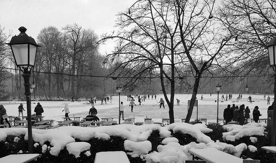 Stunning Winter im Englischen Garten Blick vom Seehaus auf den Kleinhesseloher See winter munich Food in Munich Pinterest Seehaus Englischer garten und