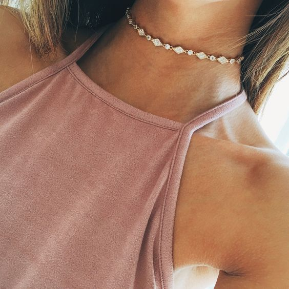 Sparkly choker necklace: