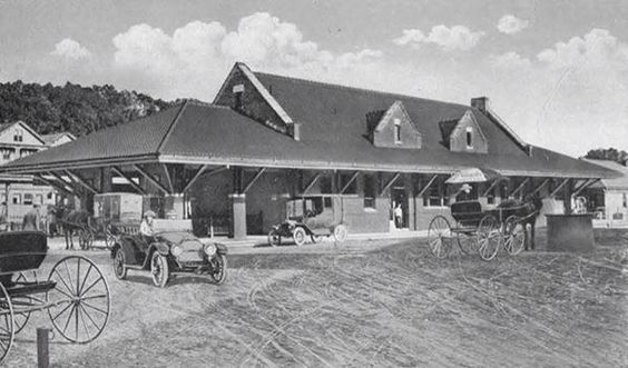 1927 Providence & Worcester Railroad station in Putnam, CT