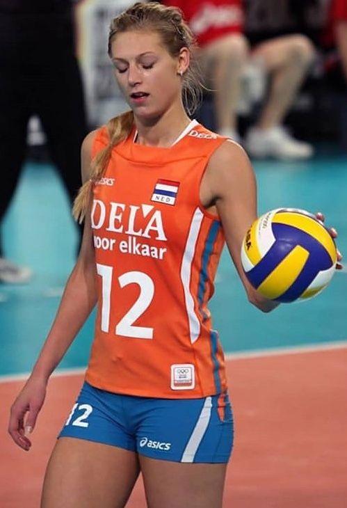 Manon Nummerdor Flier Volleyball Player From The Netherlands Female Volleyball Players Volleyball Players Women Volleyball