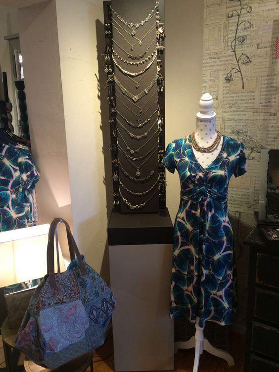 """""""Frühling lässt sein blaues Band wieder flattern durch die Lüfte."""" #fashion #style #mode #blue #summer #dress"""