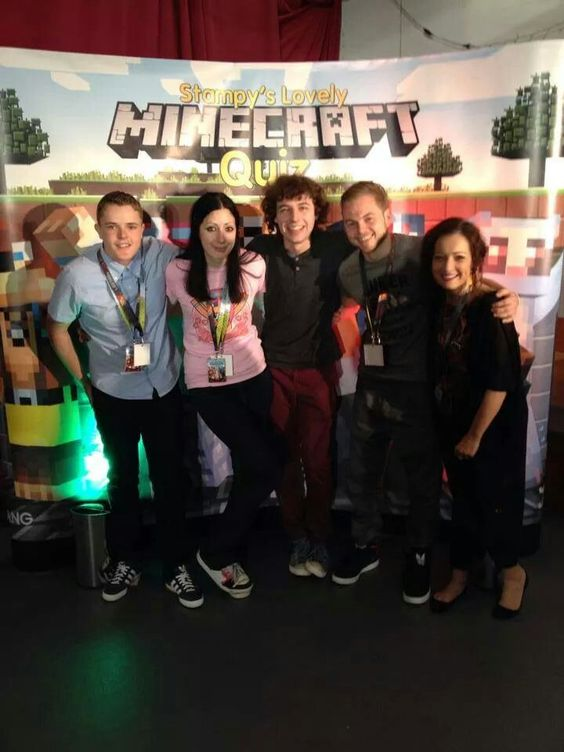 Sqaishey Quiz : From left to right: lee, amy, stampy, squid, netty. The most amazing people I have seen