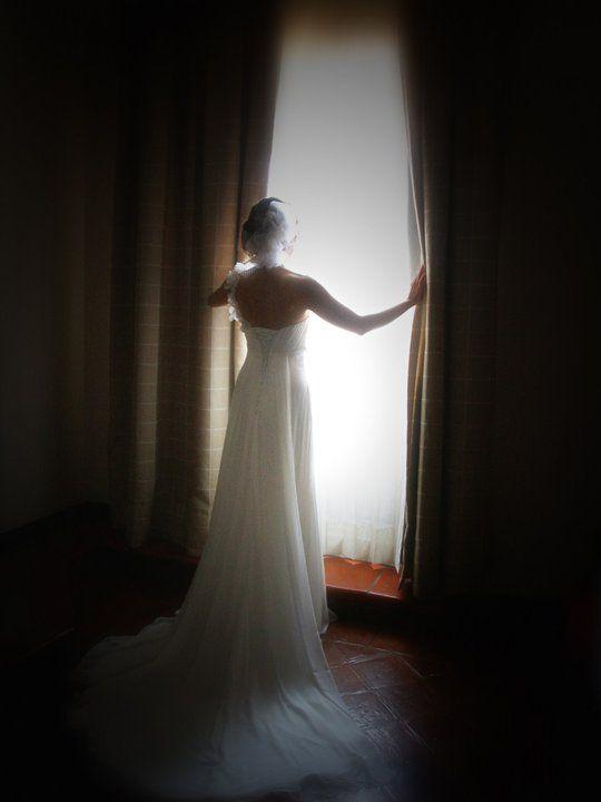 La novia ansiosa por salir al encuentro de su amado..