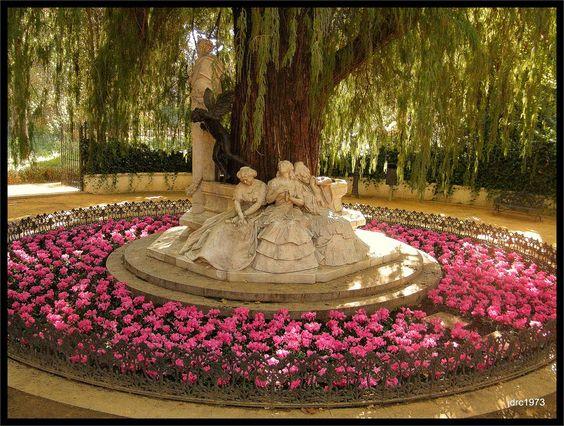 Panoramio - Photo of Monumento a Becquer - Parque de María Luisa ...