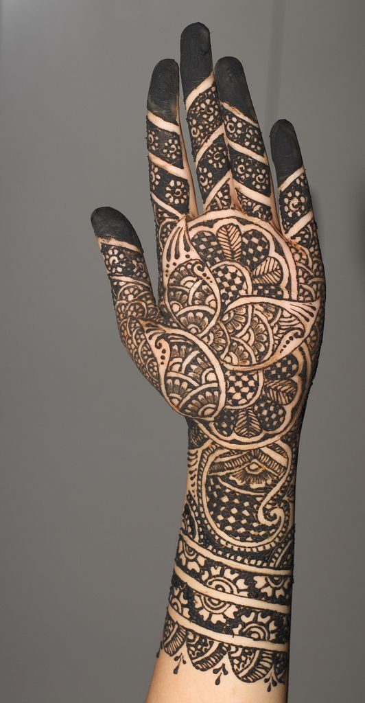 Indian Black Mehndi Design for Brides