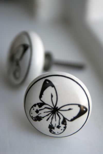 Pretty ceramic knobs for cupboards/drawers