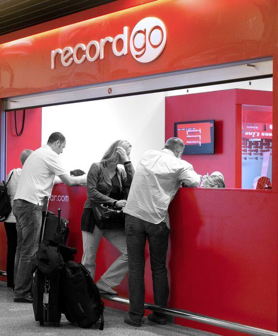Oficinas de record go en el interior de los aeropuertos de for Oficinas bankia en palma de mallorca