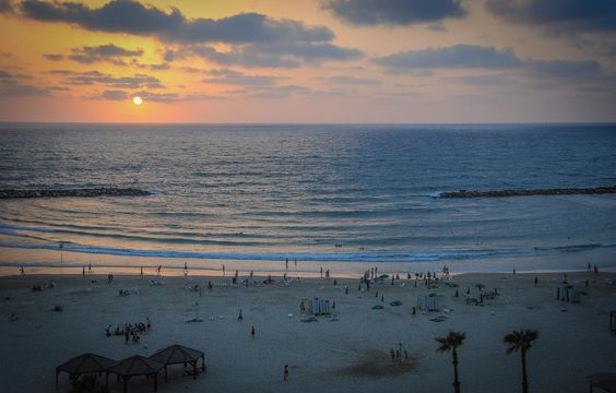 A verdade é que Israel tem algumas ótimas praias em ambos costa do Mar Mediterrâneo Ocidental a sua e seu mar vermelho do sul.