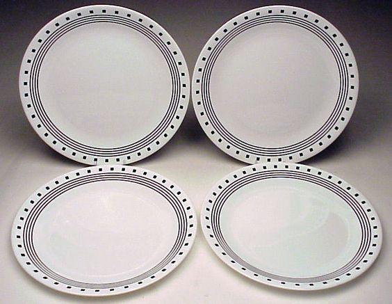 Corning Corelle City Blocks Set Of 4 Dinner Plates Black White Made I