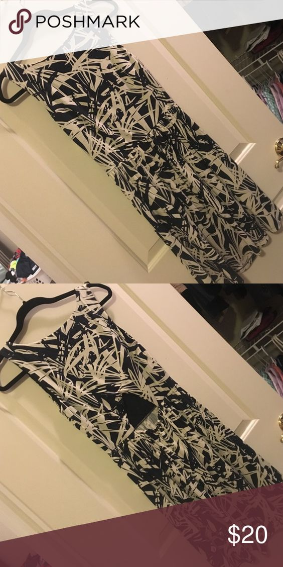 Ann Taylor LOFT dress Cute, super comfy. Stylish opening in the lower back. Sits above the knee.  Only worn a few times. LOFT Dresses Midi