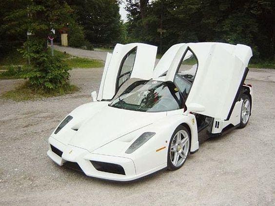 Foto Mobil Ferrari Kenzo White Opening Door
