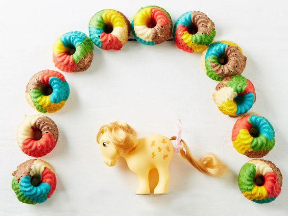 Schnelle Rainbow-Muffins