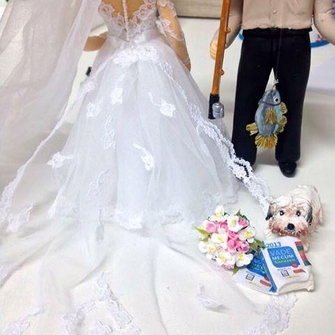 ❤️ #noivinhospersonalizados ❤️ #biscuit #wedding #casamentos #weddingideas #weddingplanning #detalhes #casacomigo #noivalinda #universodasnoivas #vestidodenoiva #weddingflowers #weddingday #weddingcake #weddingdress #weddingcaketopper #weddings #noiva #caraarteembiscuit #vestidos #topodebolo #topodebolocasamento #casamento 💕 Orçamentos: caraarteembiscuit@yahoo.com.br, ou envie uma mensagem inbox na página https://facebook.com/caraarteembiscuit