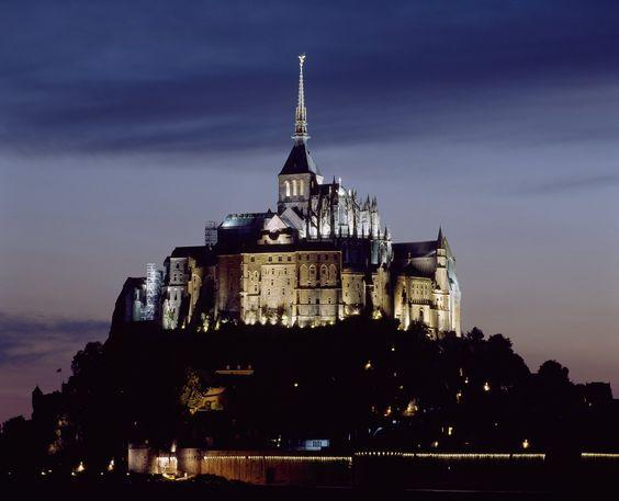 Monumentos na França terão visitas noturnas durante o verão europeu