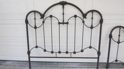 Victorian-Cast-Iron-Brass-Queen-Size-Bed