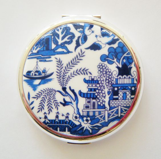 Willow Oriental Stratton Compact