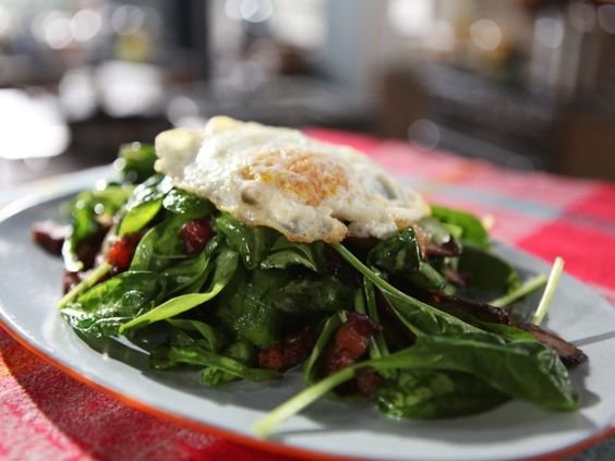 Spinach Salad With Fried Egg, Bacon and Mushrooms from ...