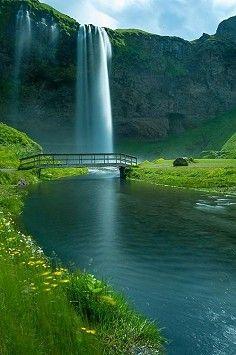 Cascada Sailiyalan, Islandia Puente de las Cataratas