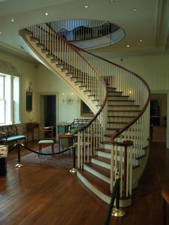Winterthur estate montmorenci stair hall from 1822 for Square spiral staircase plans hall