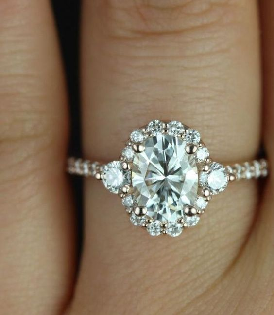 If you think this engagement ring is chic, just wait until you see the other ones! via Rosados Box: