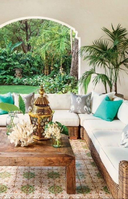 Patios y terrazas de estilo mediterrneo  Decoracion