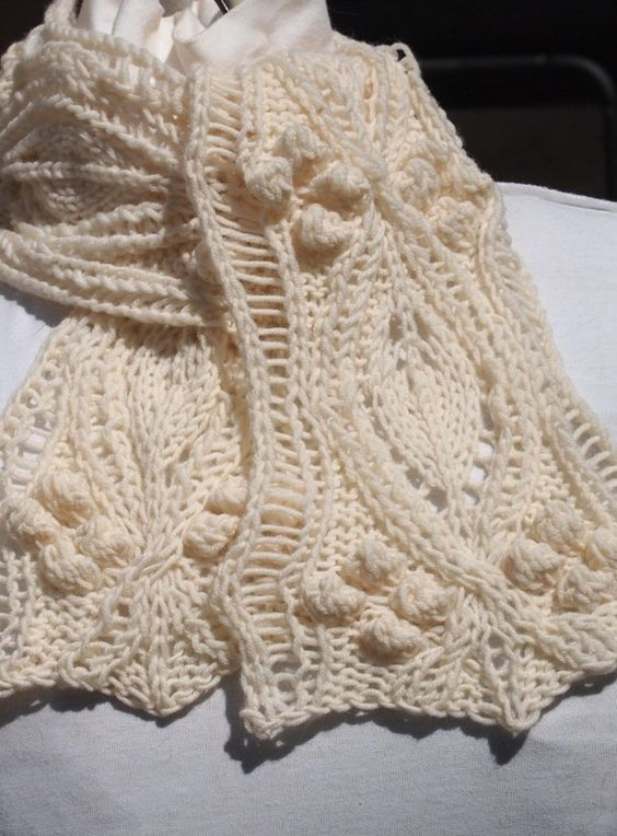 Bob scarf is knitted in two halves and then sewn together to create the scarf. It can be knit to any length desired and in any weight yarn. The: