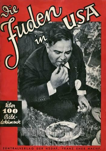 Die Juden in USA ( Jews in the USA ) cover of National Socialist propaganda booklet , showing Fiorello H . LaGuardia , Mayor of New York from 1934 to 1945 and outspoken critic of Hitler and the Nazi regime . Zentral Verlag der NSDAP , Berlin 1939 .