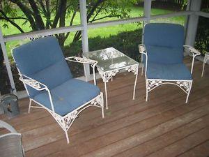 Vintage White Wrought Iron Patio Furniture Set Exterior