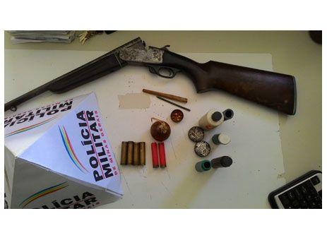 PAmb apreende arma usada na caça de pássaros http://www.passosmgonline.com/index.php/2014-01-22-23-07-47/policia/3414-pamb-apreende-arma-usada-na-caca-de-passaros