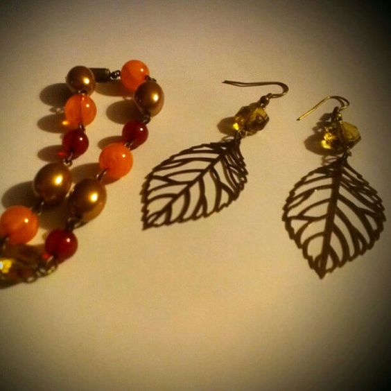 New Fall Bracelet and Earring Set by TKDShop on Etsy, $19.99: King S Daughters, Earring Set, Diy Jewelry, Sparkly Things, 19 99, Daughters Jewelry