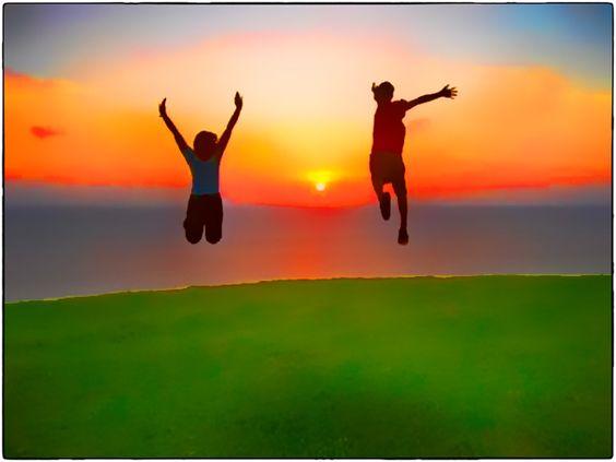 Geluk signalen.  Heb je altijd het idee dat het gras bij een andere groener is?  Iets wat het leven mij geleerd heeft, is dat wat je krijgt een geschenk is dat speciaal voor jou is bedoeld. Het is om gewaardeerd te worden en niet om in twijfel te trekken. Om te leven in het nu is de beste beslissing die je ooit doen kan.    http://www.nerds.nu/geluk-signalen/