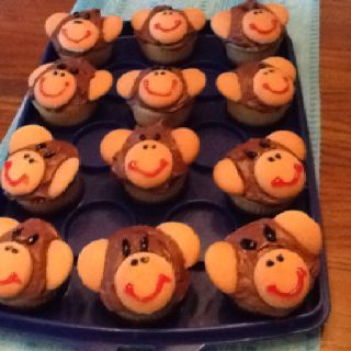 Renee made these monkey cup cakes for steven's birthday.