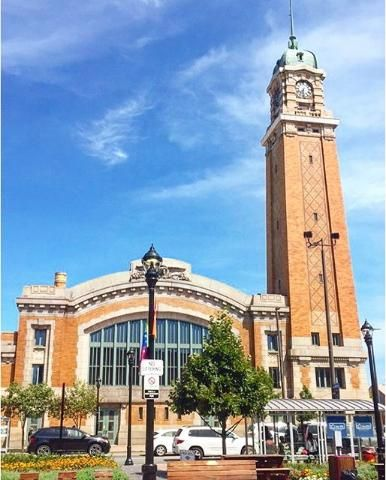 #cleveland#city#building#monument#local#market#blue#sky#sunny#day#summer#vacation