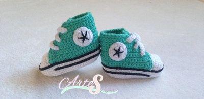 zapatillas bebé estilo converse verde, tejida por artesesa