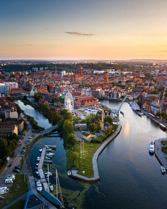 Gdańsk, Poland by Aleksander Głowacki