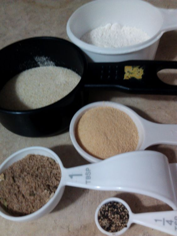 My American Confessions: DIY Brown Gravy Packet... 2 recipes... 1 for using right away... 1 for making a bulk amount to use when needed... Woohoo! So glad I found this!! :D