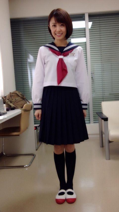 小林麻耶かわいいセーラー服姿披露